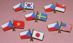 zkřížené vlajky